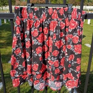 Torrid Size 1 black and red floral skirt